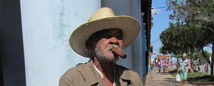 Kubanische Zigarren in Vinales genossen