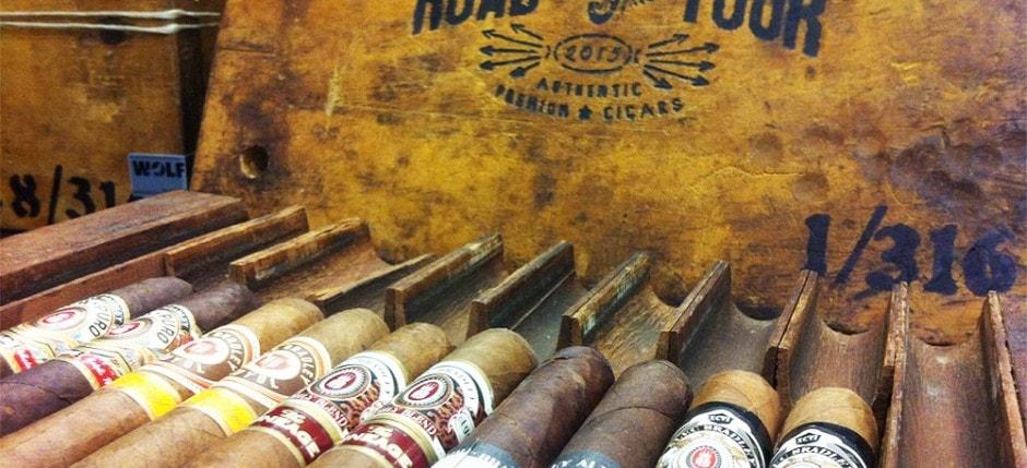 Alec Bradley Road Tour Pressstock mit Zigarren