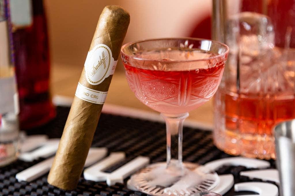 Zigarren und Cocktail 5