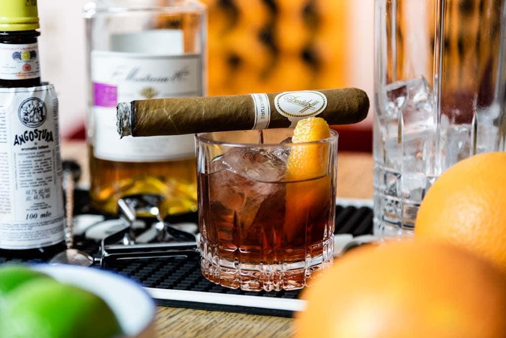 Zigarren und Cocktail 2