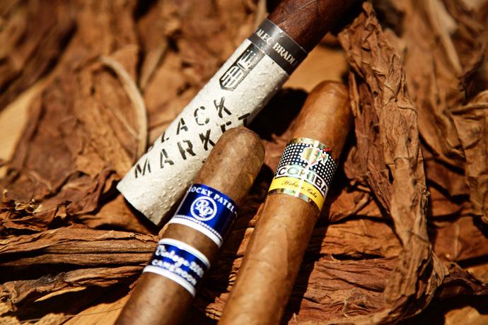 Zigarren mit verschiedenen Banderolen - StarkeZigarren.de