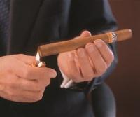 Zigarre richtig anzünden
